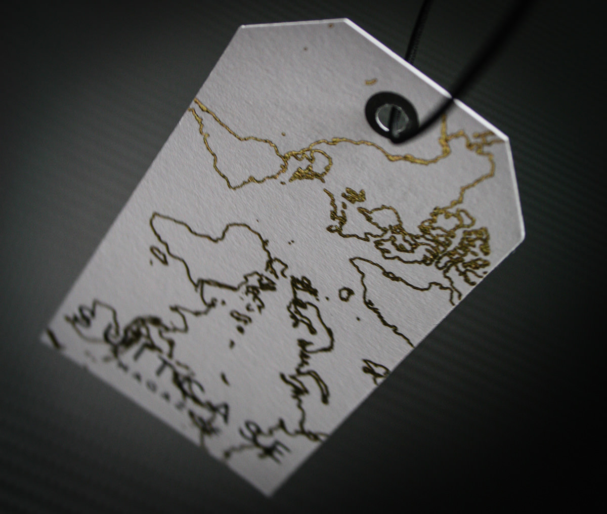 Bespoke-Printing---Suitcase-Business-Card-Tags-4
